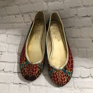 Women's SOCIALITES Slip On Shoes EUC 38
